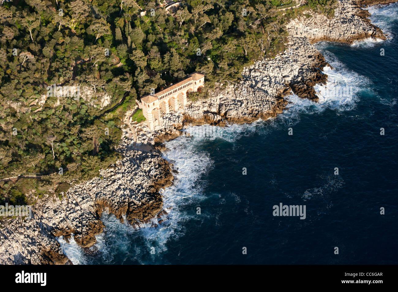 Peristyle aerial view villa cyrnos roquebrune cap for Azureva roquebrune cap martin piscine