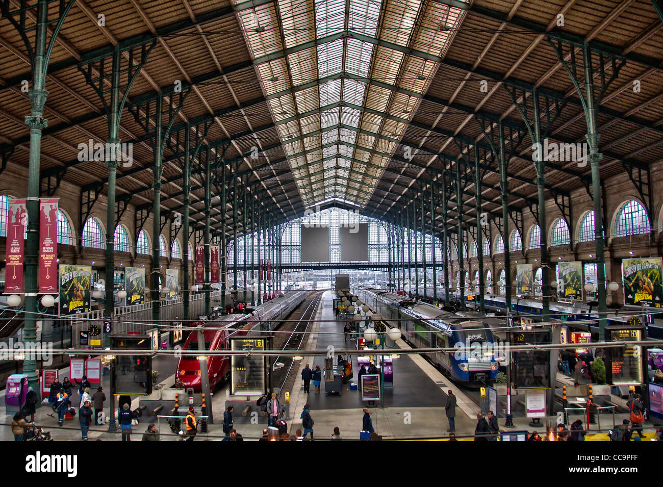 gare-du-nord-station-in-paris-france-CC9