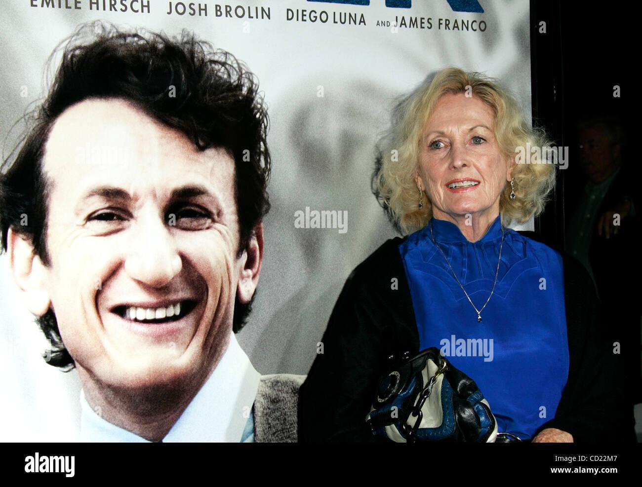 Eileen Ryan - Bio, Facts, Family | Famous Birthdays  |Eileen Ryan Movies