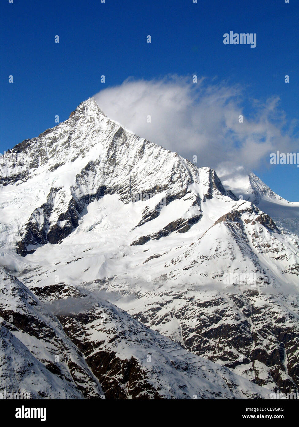 View of the Matterhorn, Monte Cervino or Mont Cervin mountain in the Pennine Alps on the border between Switzerland Stock Foto