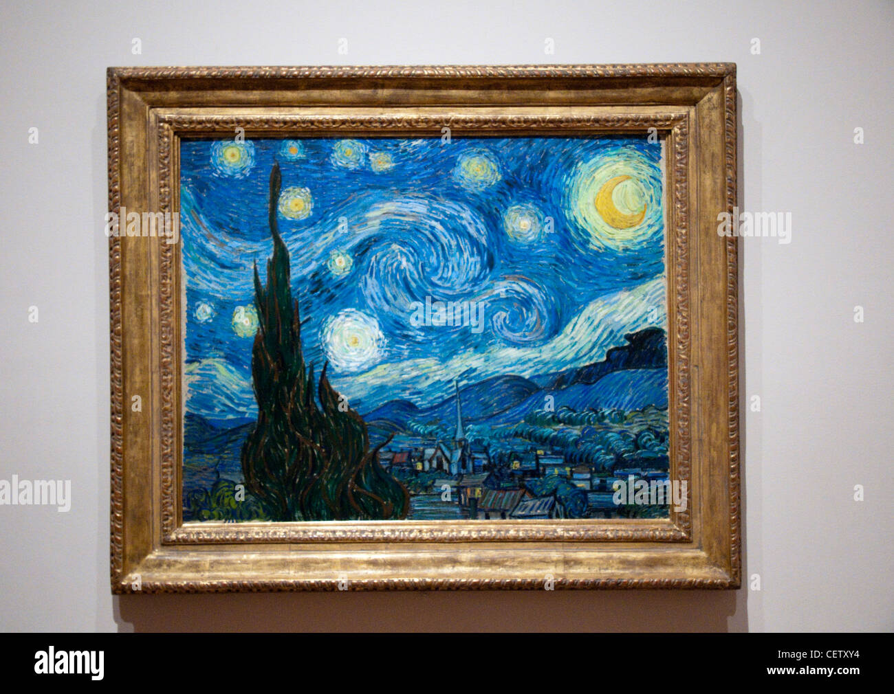 nuit toil e starry night by vincent van gogh in the museum of stock photo royalty free image. Black Bedroom Furniture Sets. Home Design Ideas
