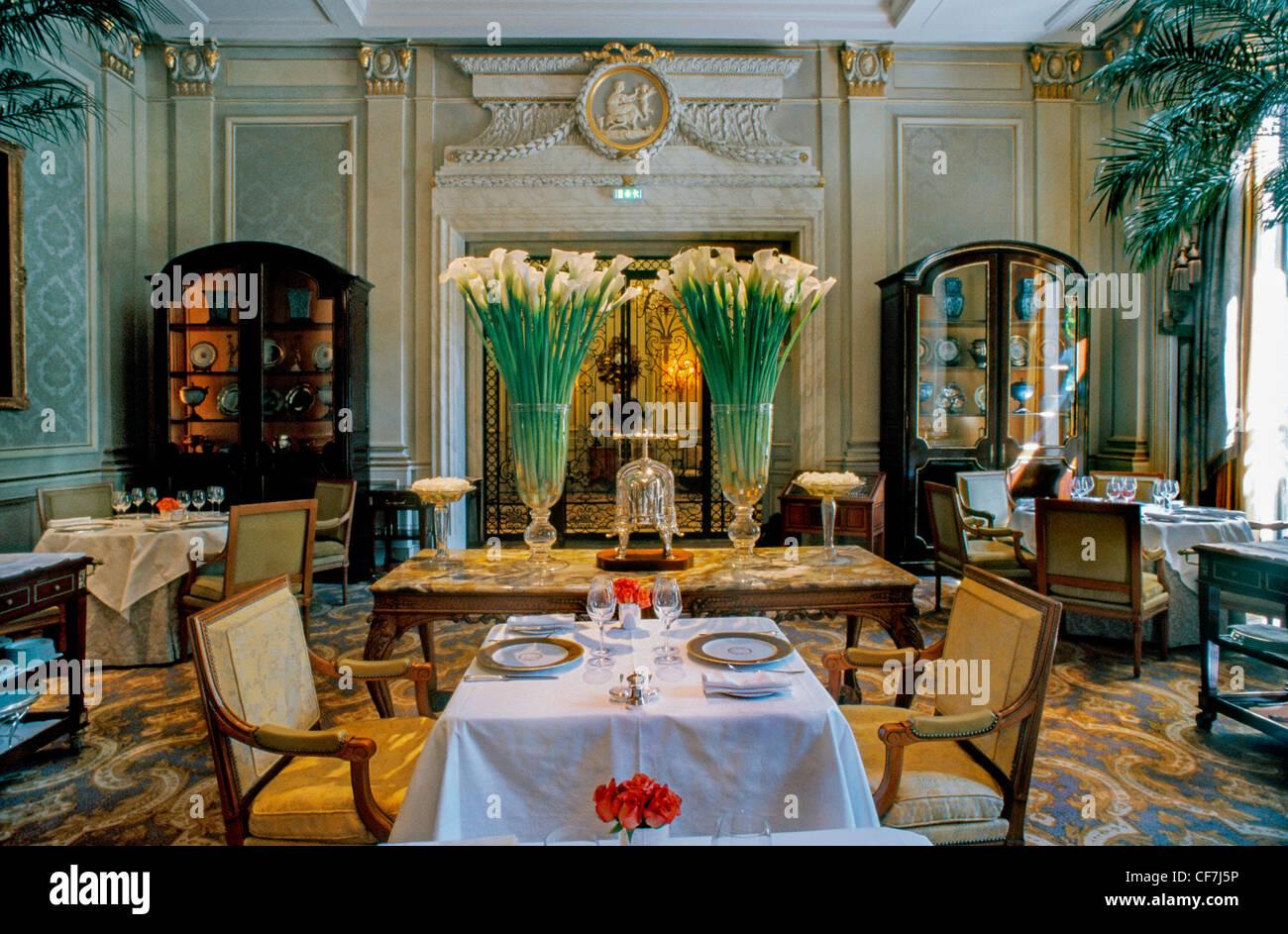 France paris fancy french restaurant le v cinq