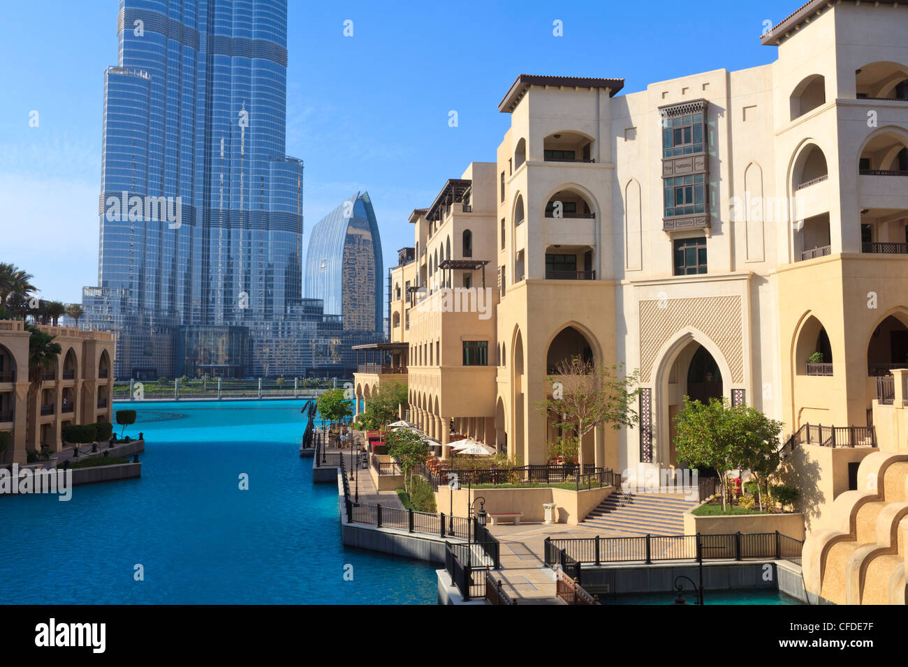 The palace hotel and burj khalifa downtown dubai united for Emirates hotel dubai