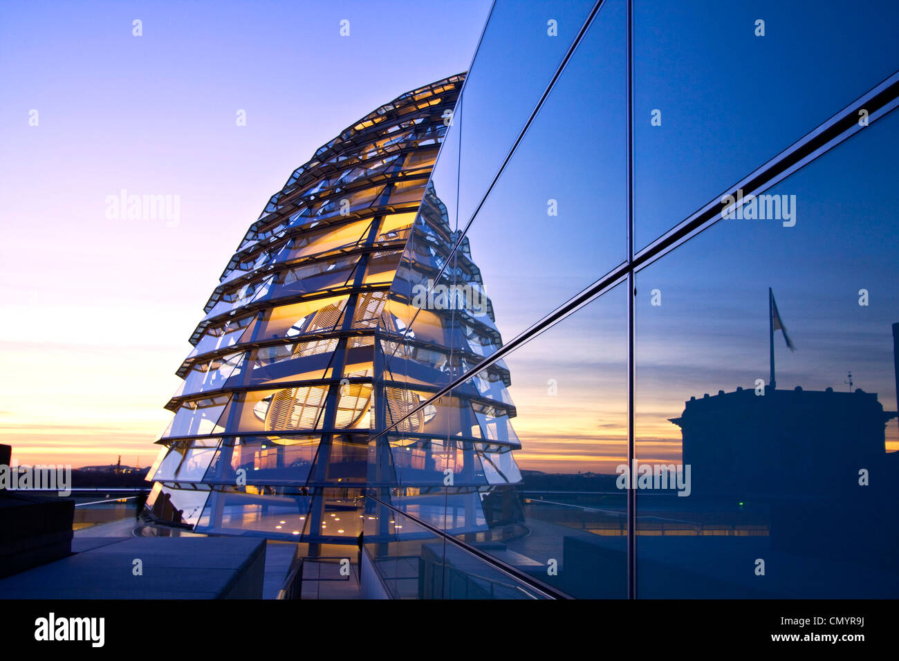 Reichstag buidling roof terasse cupola by Sir Norman forster at twilight, Berlin, Germany, Europe Stock Foto