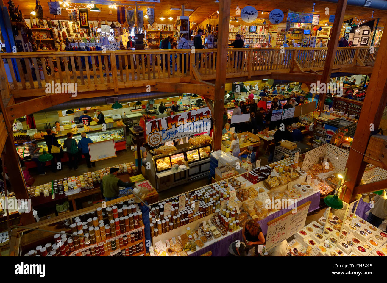 Craft shops and stores in the indoor st jacobs market for Craft stores in canada