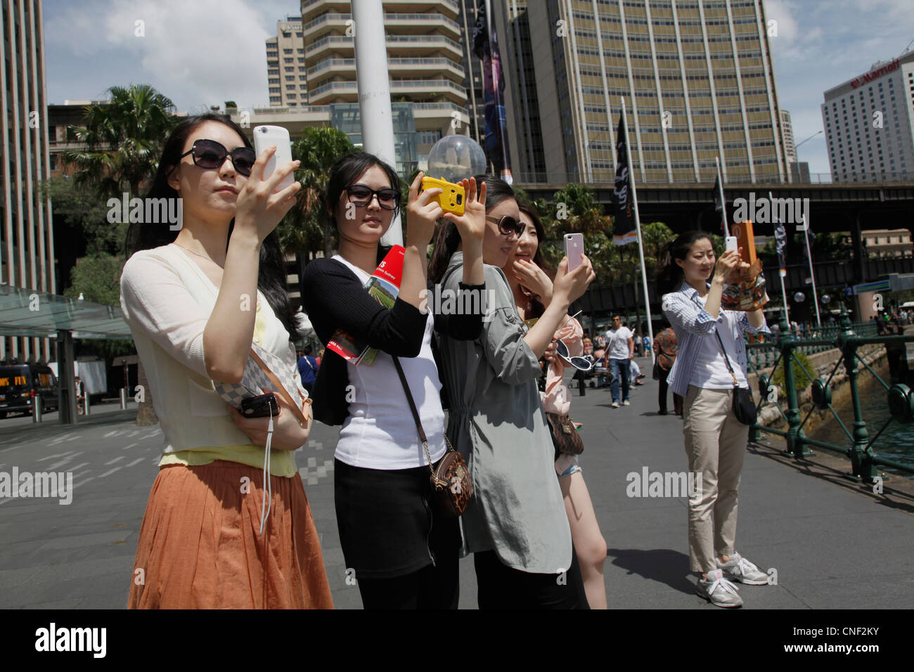 chinese-tourists-in-sydney-australia-CNF