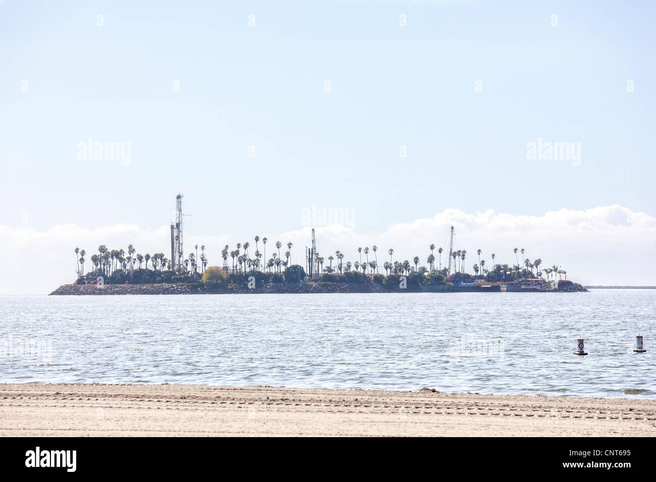 http://c7.alamy.com/comp/CNT695/long-beach-california-thums-island-chaffee-offshore-oil-drilling-platform-CNT695.jpg