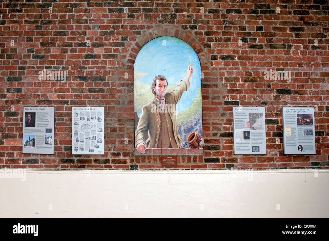 Wall plaques and mural commemorating thomas paine in lewes for Plaque recouvrement mural
