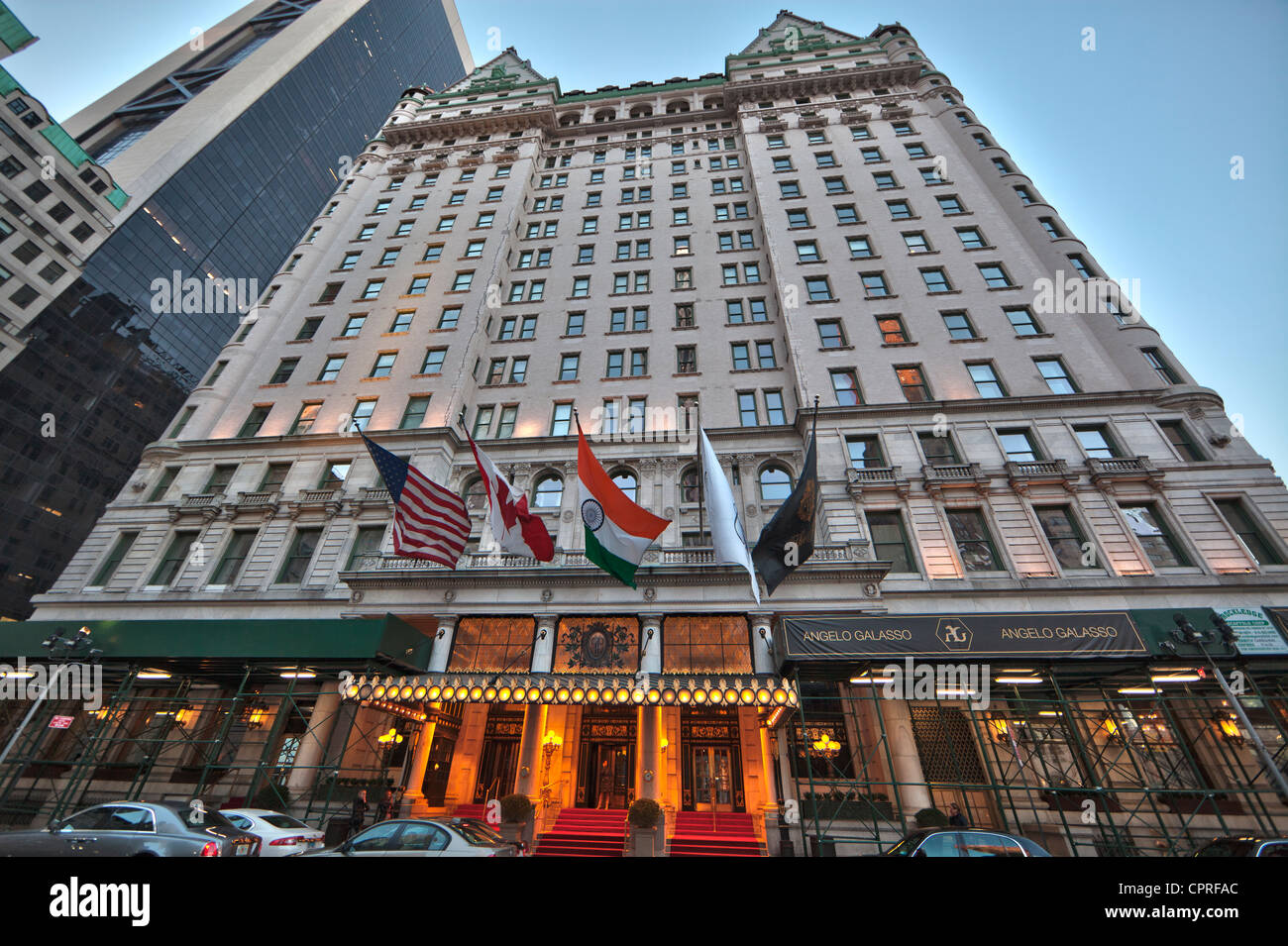 The plaza hotel owned by fairmont hotels in manhattan new for Top luxury hotels nyc