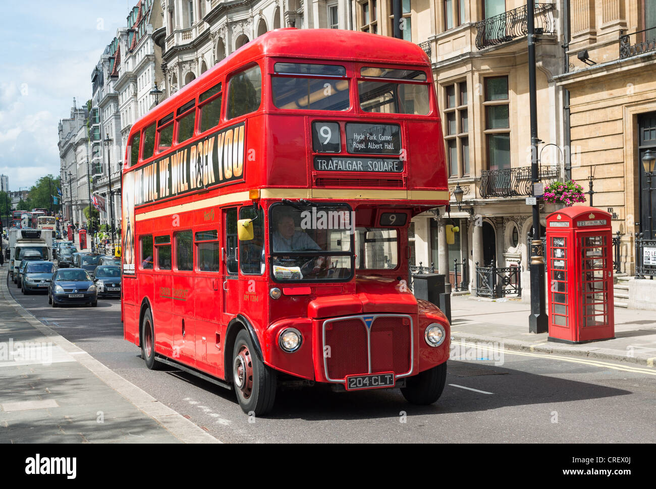 traditional-routemaster-bus-at-piccadill