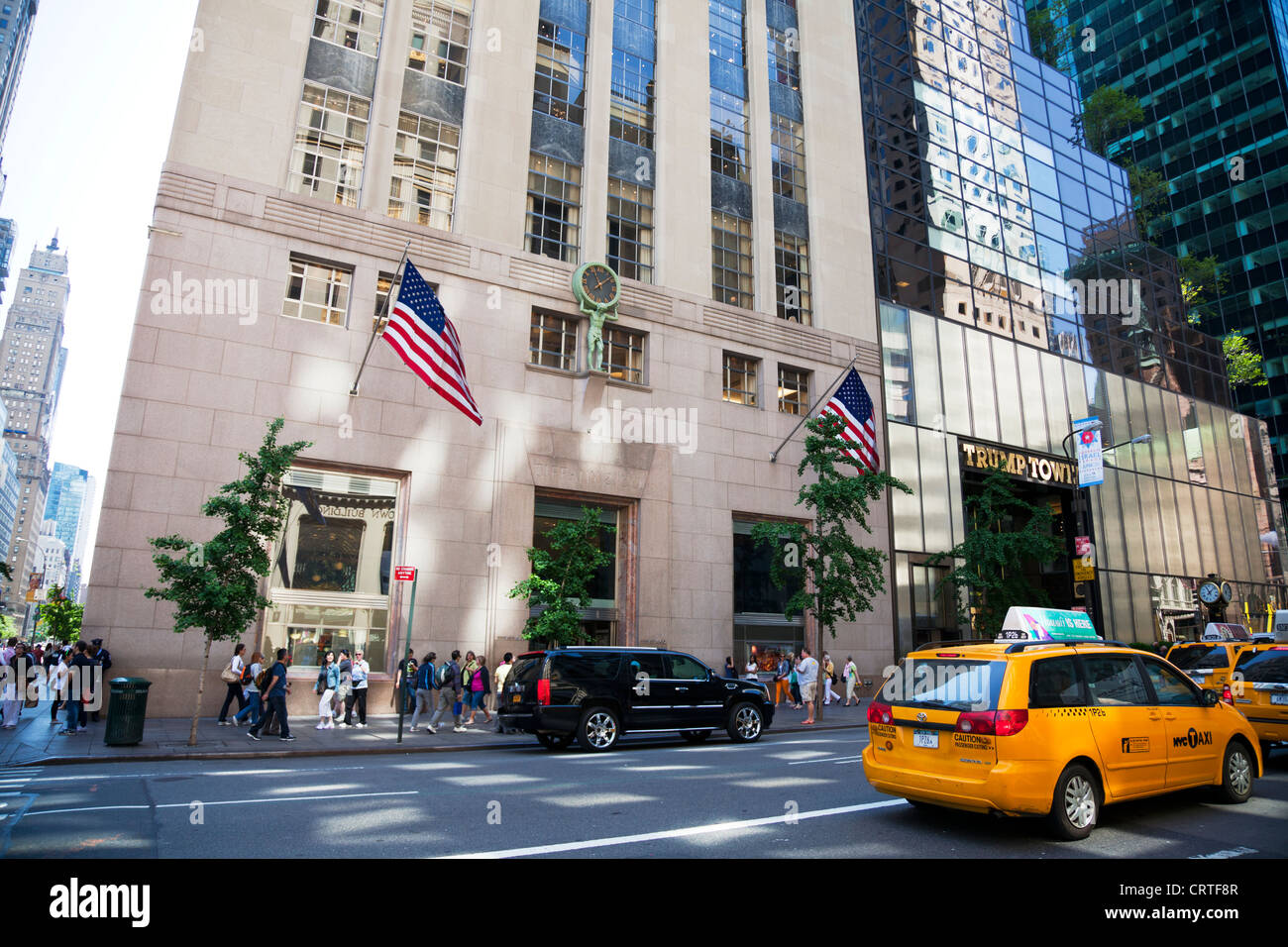 Tiffany co jewelry store in new york city fifth avenue for Jewelry stores in new york ny