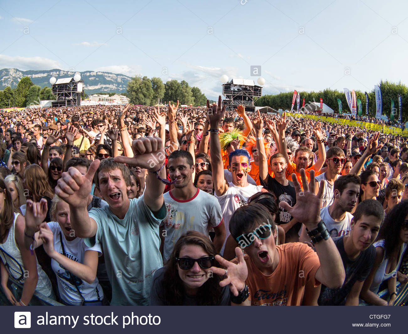 amazing-audience-at-musilac-summer-festi