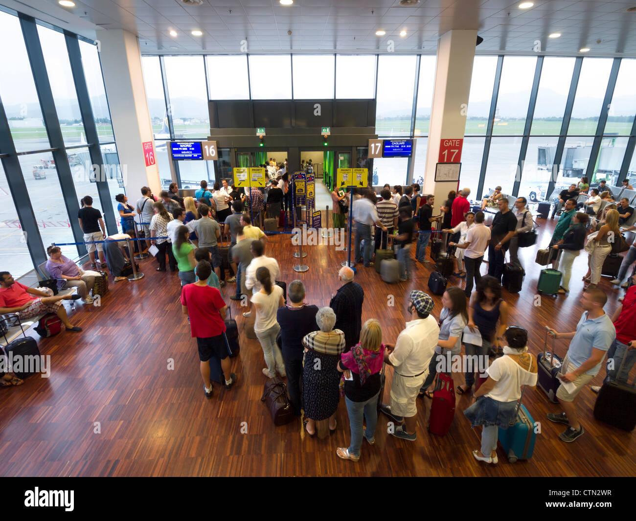 Airport Orio Al Serio : Passengers in orio al serio international airport bergamo