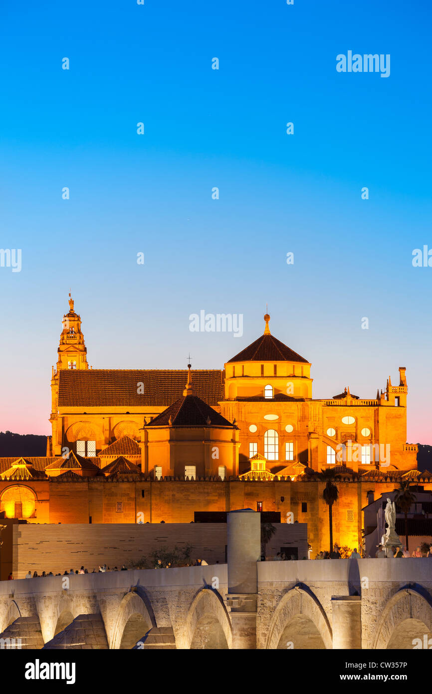 cordoba-spain-cordoba-cathedral-great-mosque-mezquita-mesquita-world-CW357P.jpg