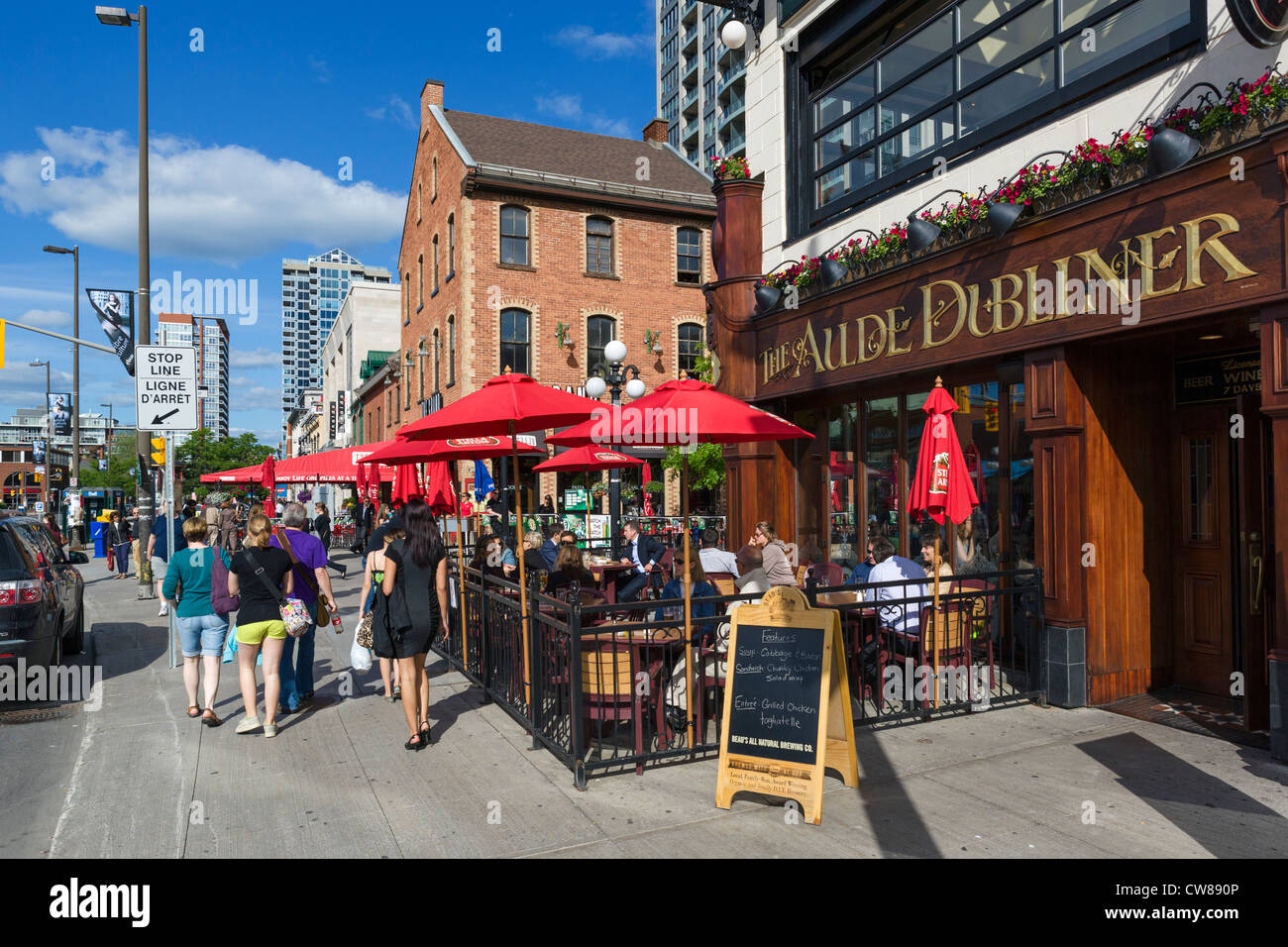 The aulde dubliner pub and restaurant on george street in byward stock photo alamy