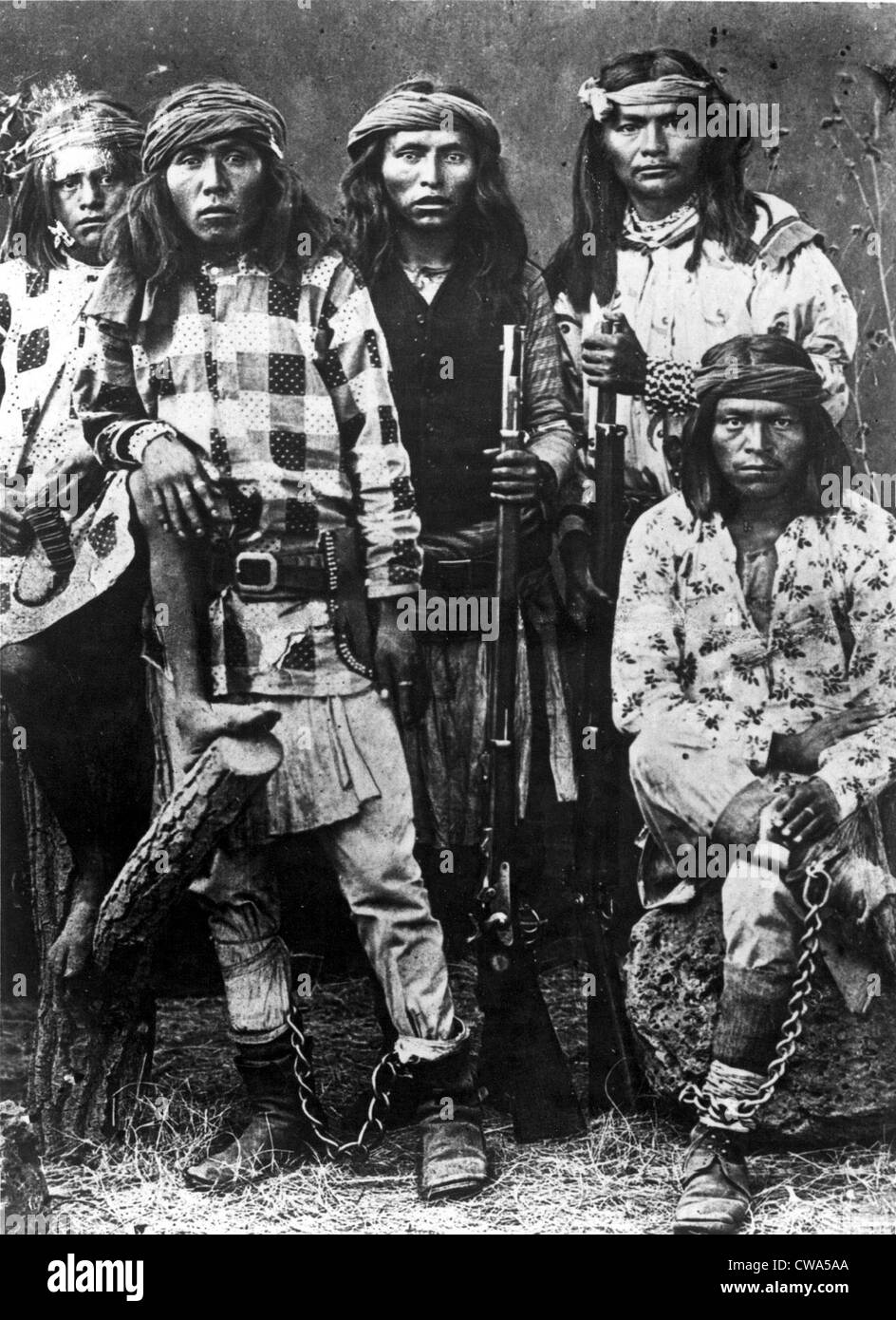 a history of the apache and the cherokee indians This is about the cherokee indian tribe and their culture, language, art, religion, clothing, hunting, and a lot of other things about the tribe use of all.