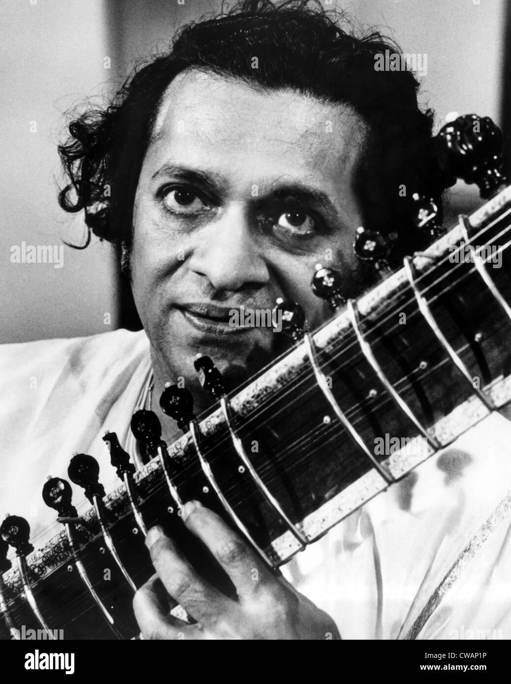 Ravi Shankar, musician, composer, performer and scholar, portrait, 1960s. Courtesy: CSU Archives / Everett Collection Stock Foto