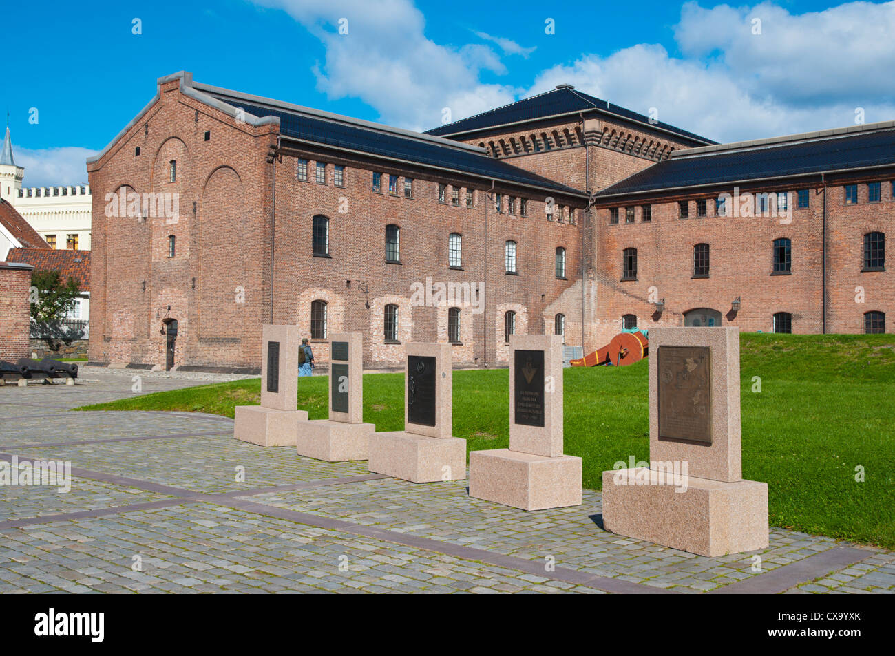 Artilleriloftet and fanehallen building akershus castle for Fortress build