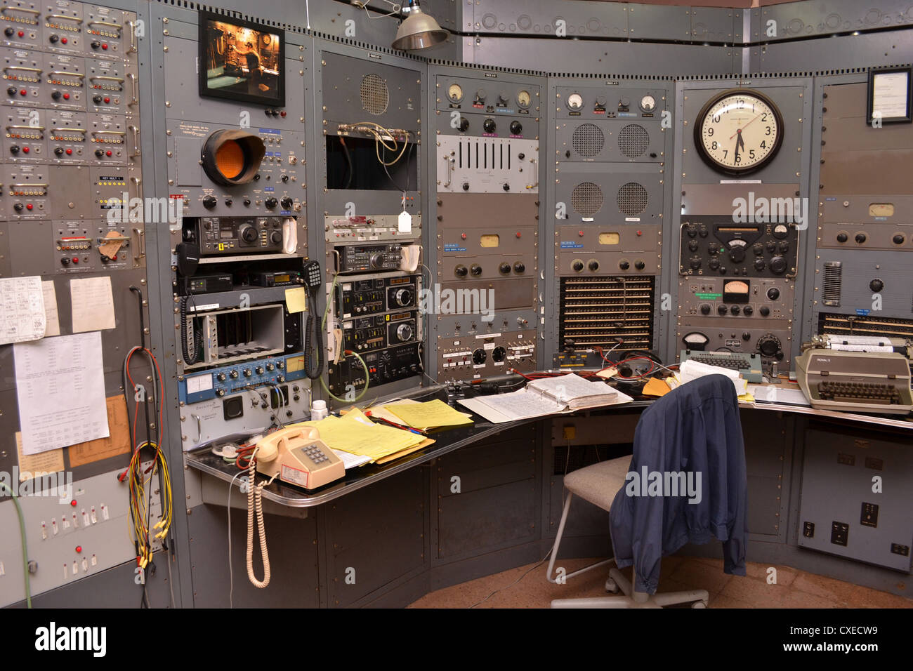Control room at KPH/K6KPH radio at Bolinas California. KPH was a public coast radio station on the West Coast of Stock Photo