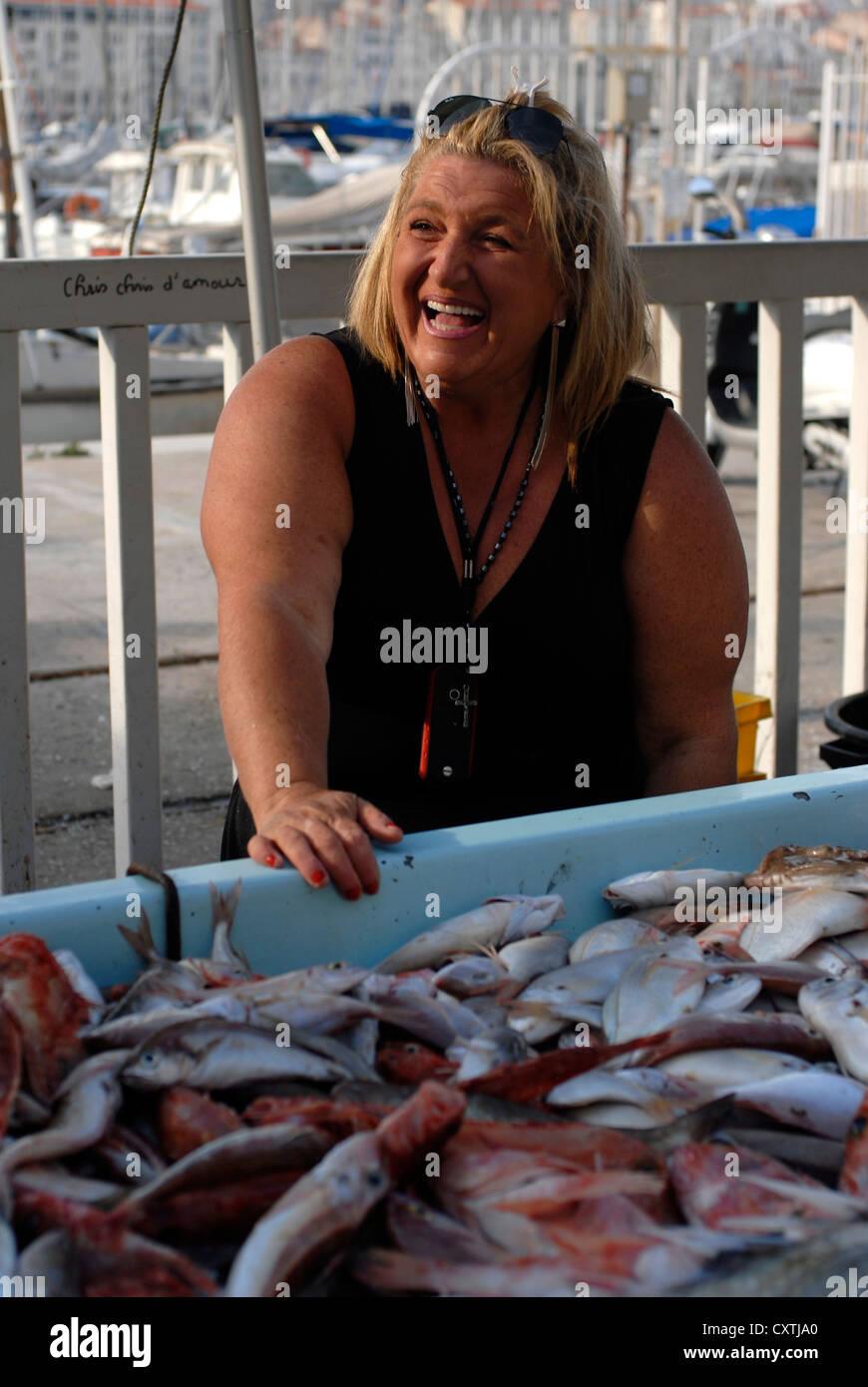 Christine fish market marche aux poissons au vieux port - Restaurant poisson marseille vieux port ...