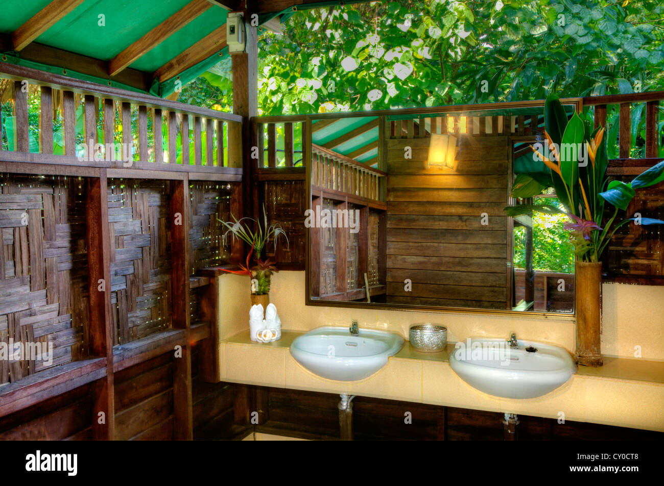 Tree house bathroom at our jungle house a lodge in the for Jungle bathroom ideas