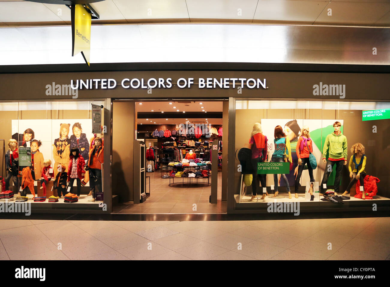 calais france cite europe united colours of benetton