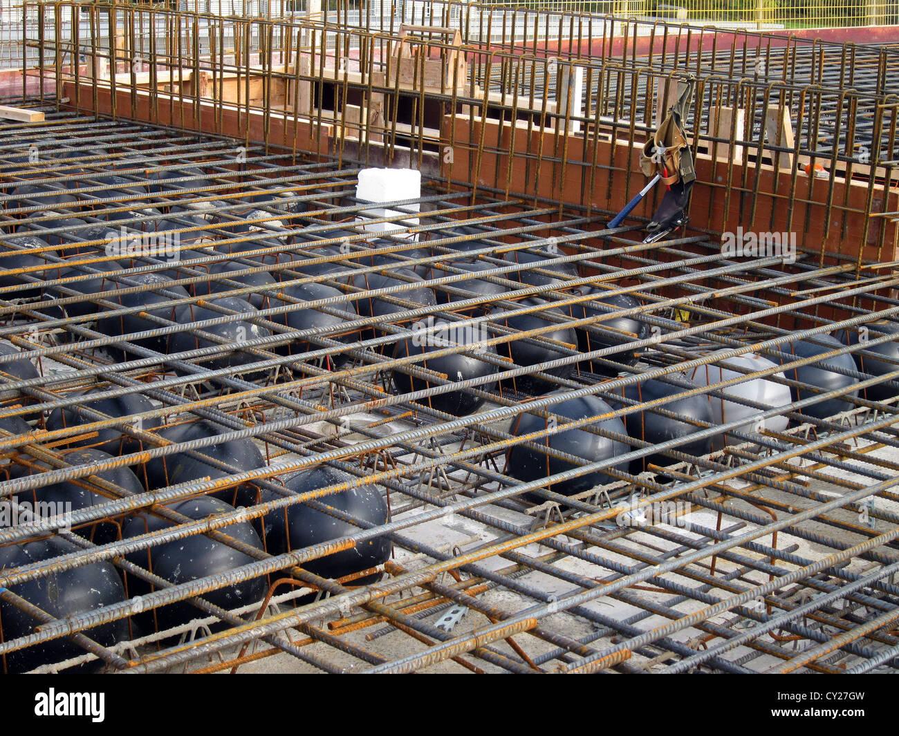 Concrete Slab Construction : Construction of a concrete slab using light weight balls