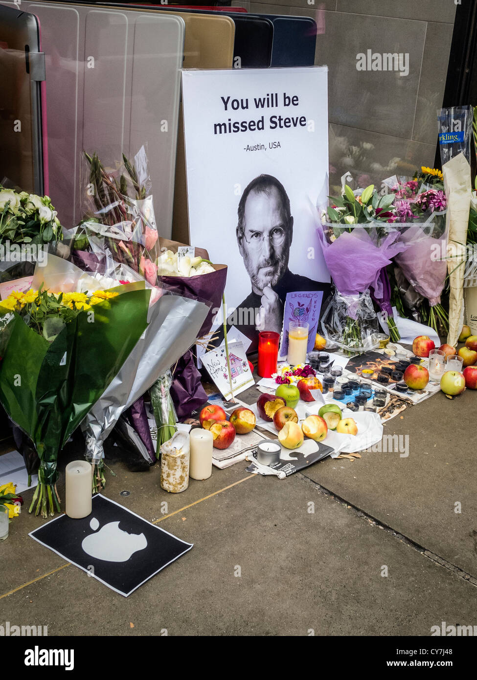 Death of Steve Jobs - A memorial created by 'Apple' fans ...
