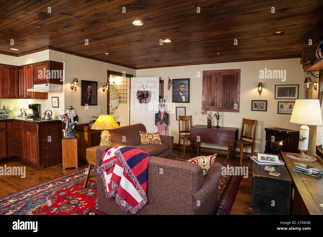 Great room interior with early american decor usa stock for Home decor online shopping usa