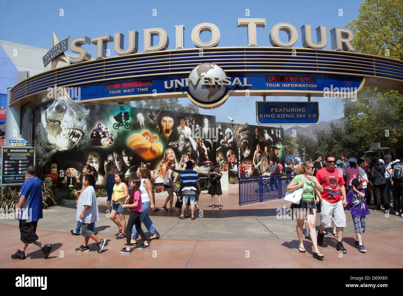 ENTRANCE TO THE STUDIO TOUR OF UNIVERSAL STUDIOS LOS ...