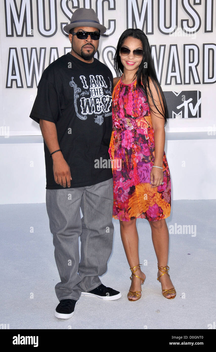 Ice Cube With His Wife Kimberly Woodruff The 2010 Mtv