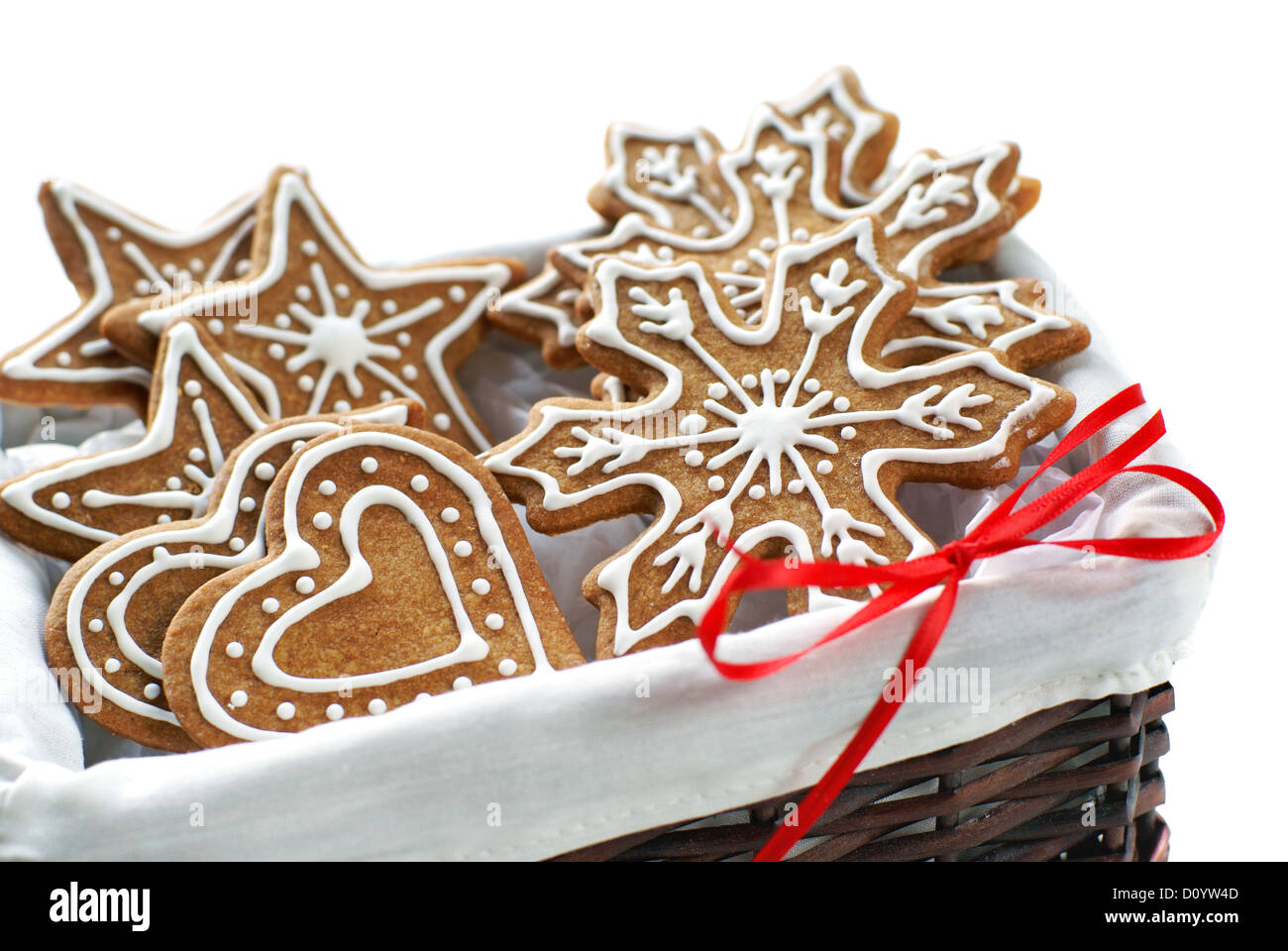gingerbread-cookies-decorated-with-royal