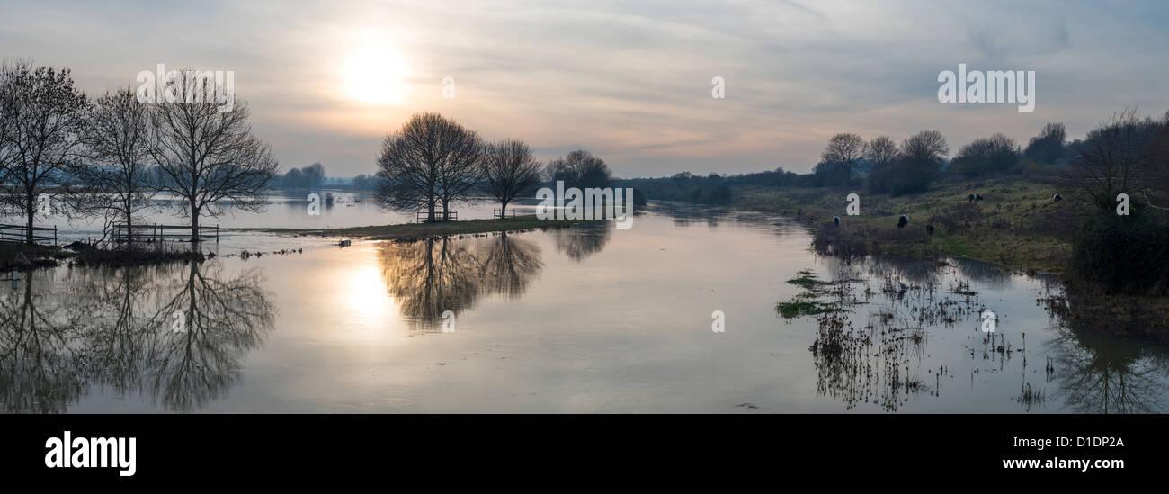 the-river-nene-in-flood-in-november-2012