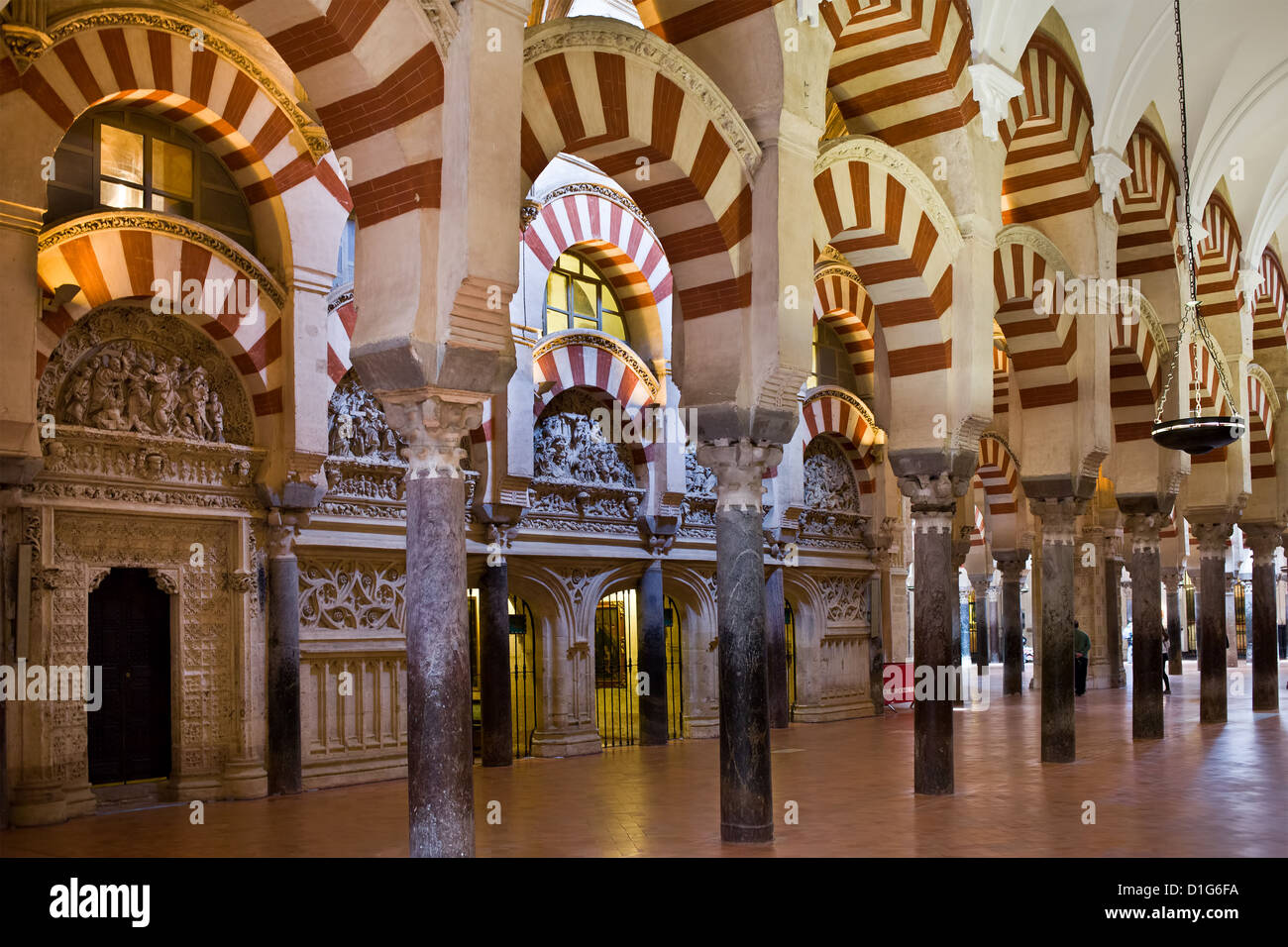 Hypostyle Prayer Hall of the Mezquita (The Great Mosque, Cathedral Stock Phot...