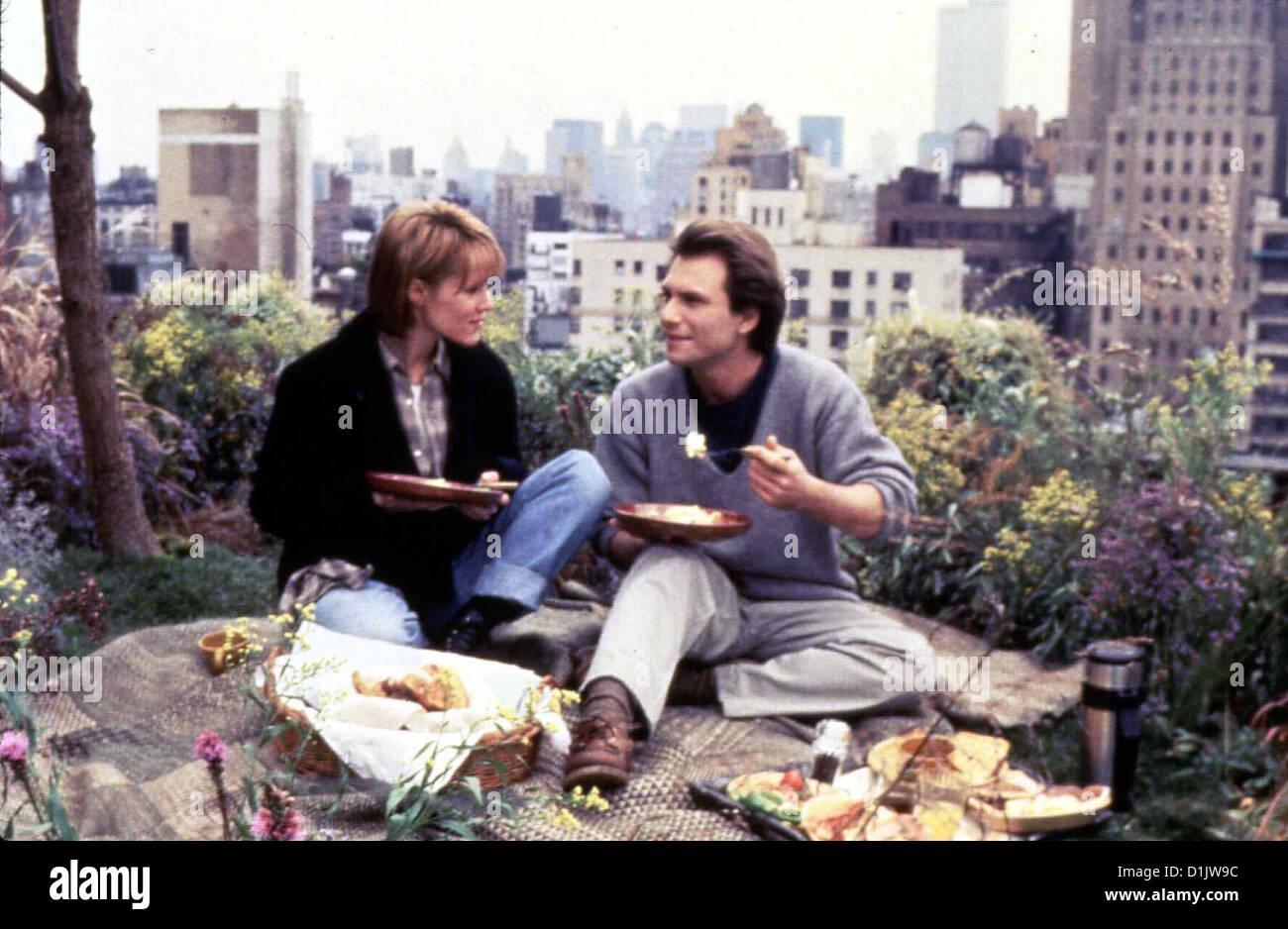 Das Rosenbett  Bed Roses  Mary Stuart Masterson, Christian Slater Nach langem Zögern beginnt die kuehle Geschaeftsfrau Stock Photo