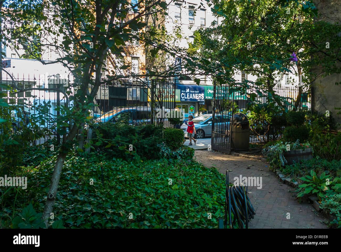 New York East Village Miracle Garden Community Gardens Scenes Stock Photo Royalty Free