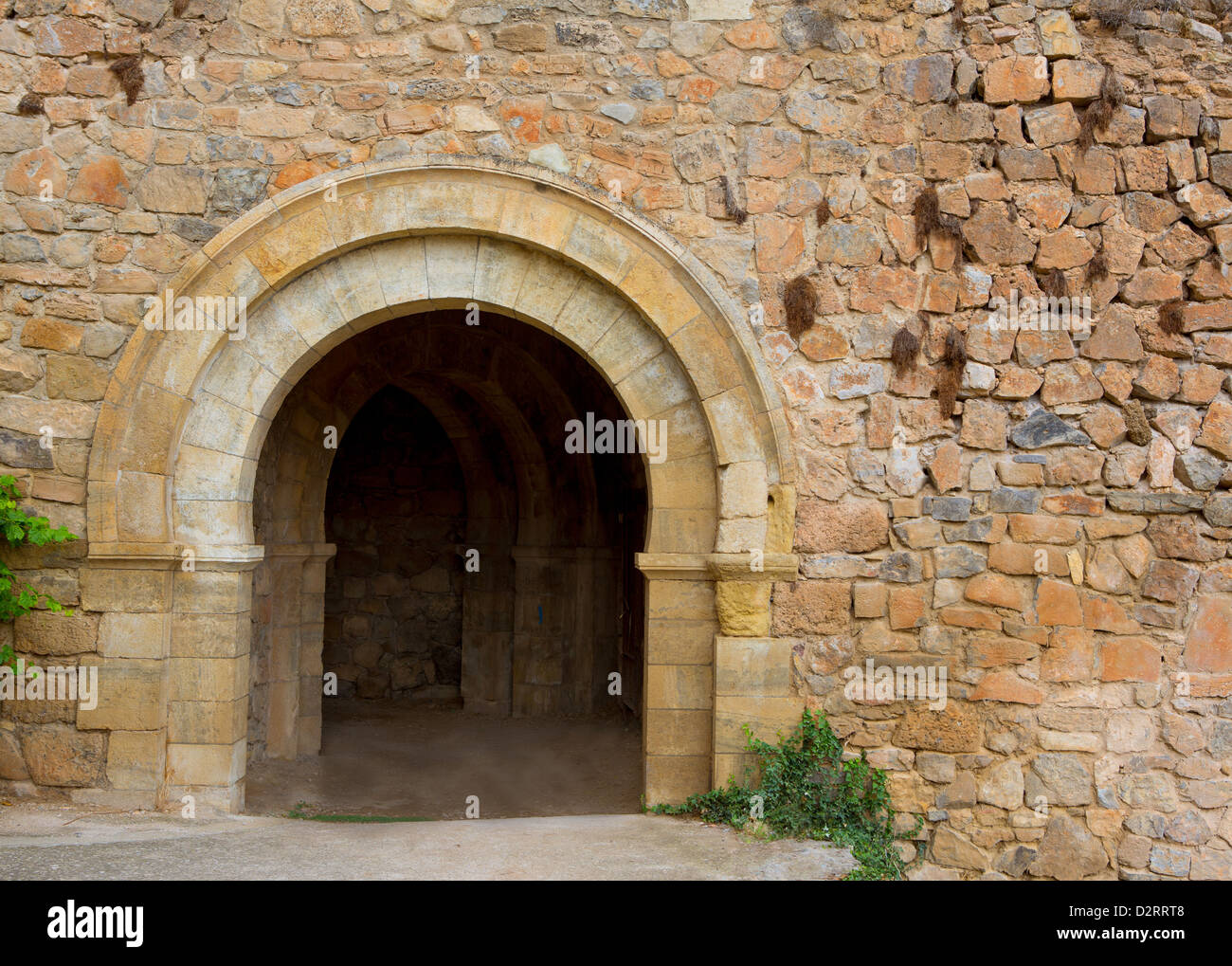 Canete cuenca puerta de san bartolome in stone masonry for Puerta 8 san marcos