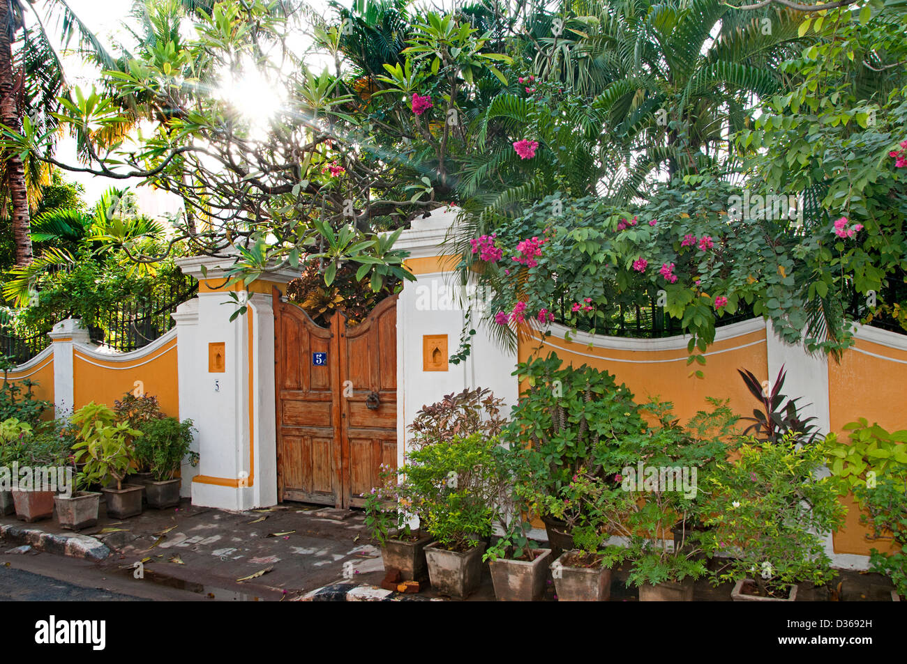 House with garden puducherry pondicherry india tamil for Garden house in india