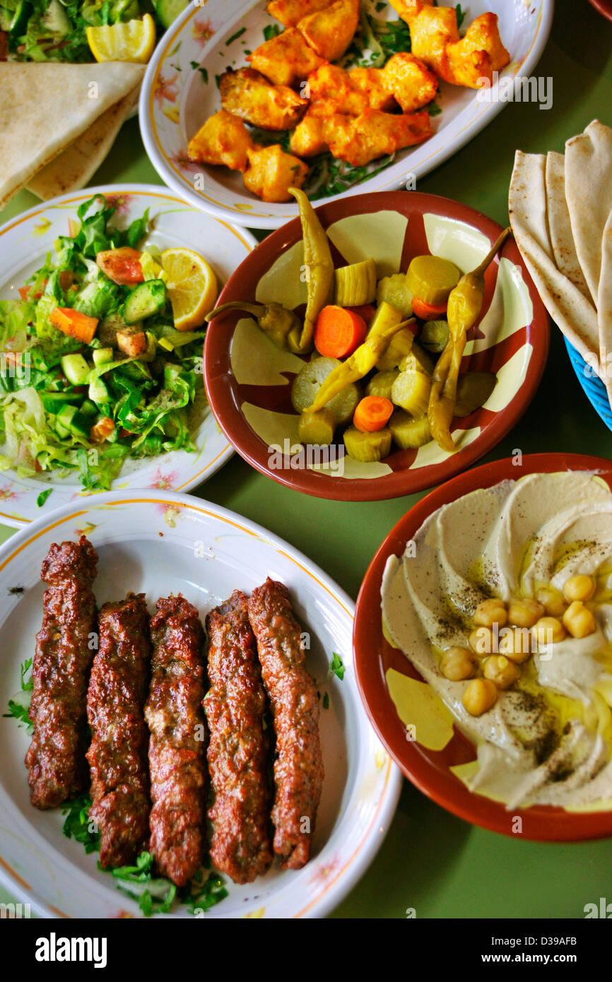 Uae emirate of dubai al fahidi fort museum arabic food for Arabic cuisine in dubai
