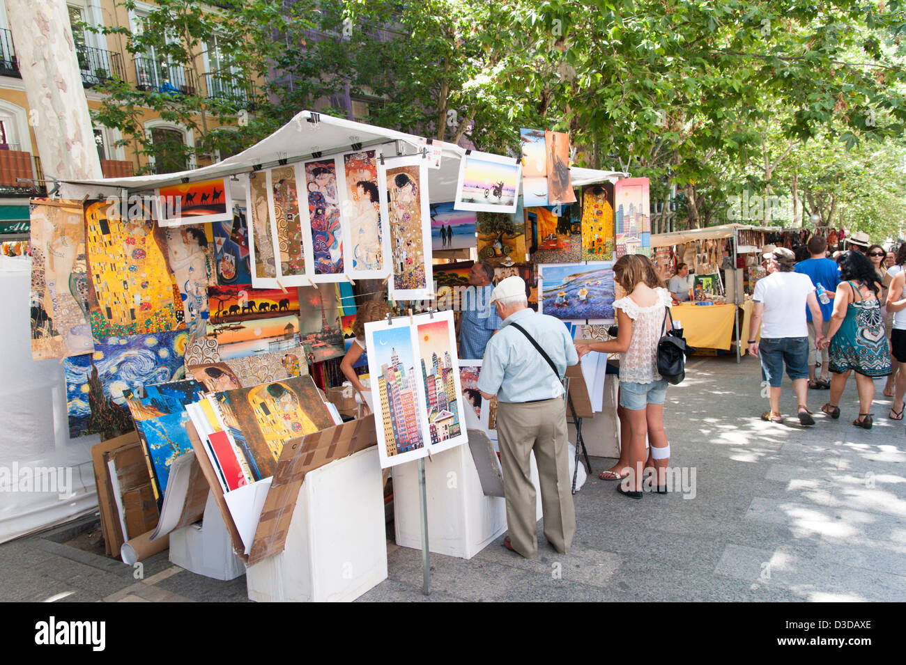 Rastro market stall selling art prints la latina madrid for Sell art prints online
