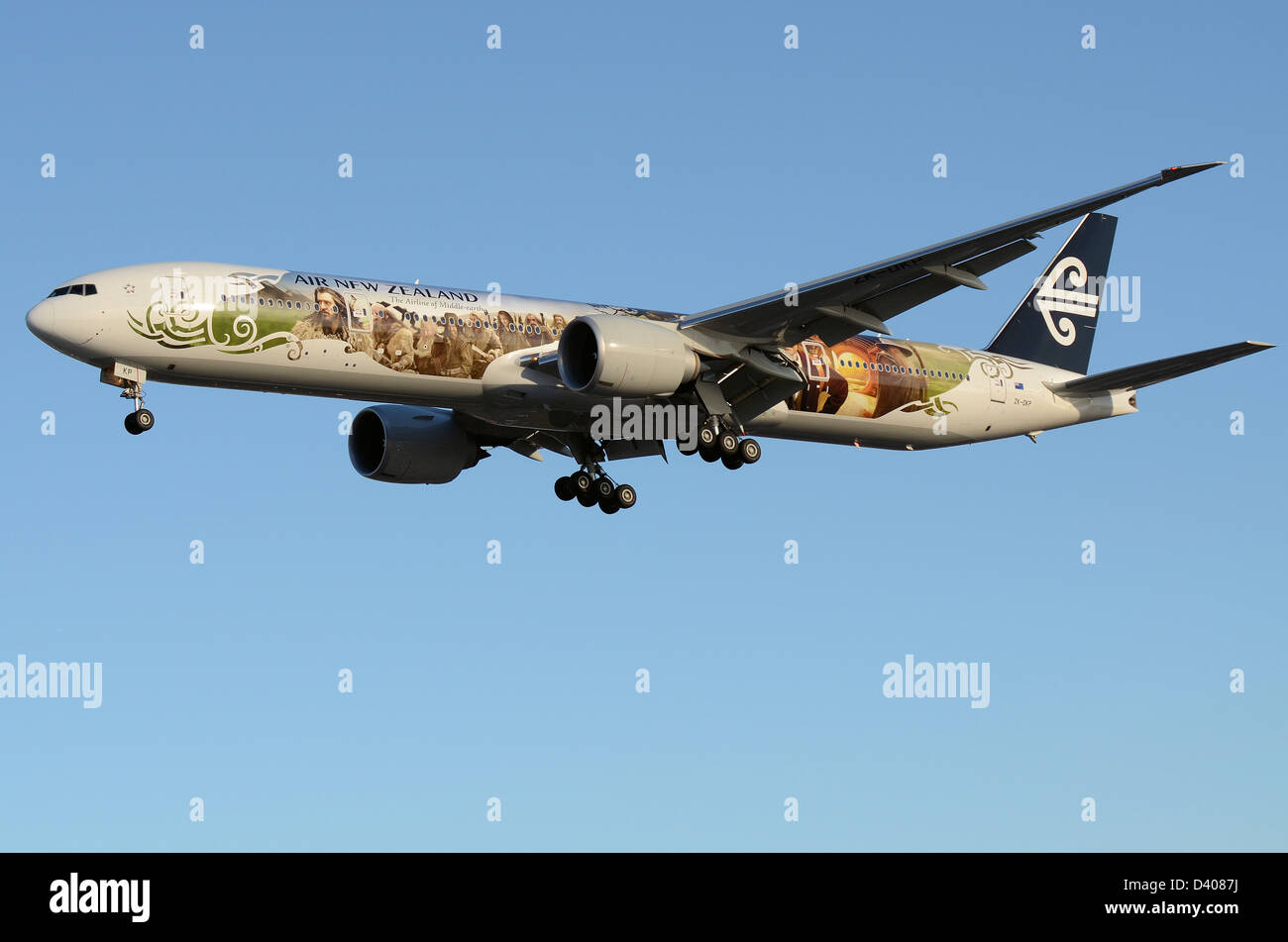 air-new-zealand-boeing-777-making-its-first-flight-with-the-special-D4087J.jpg