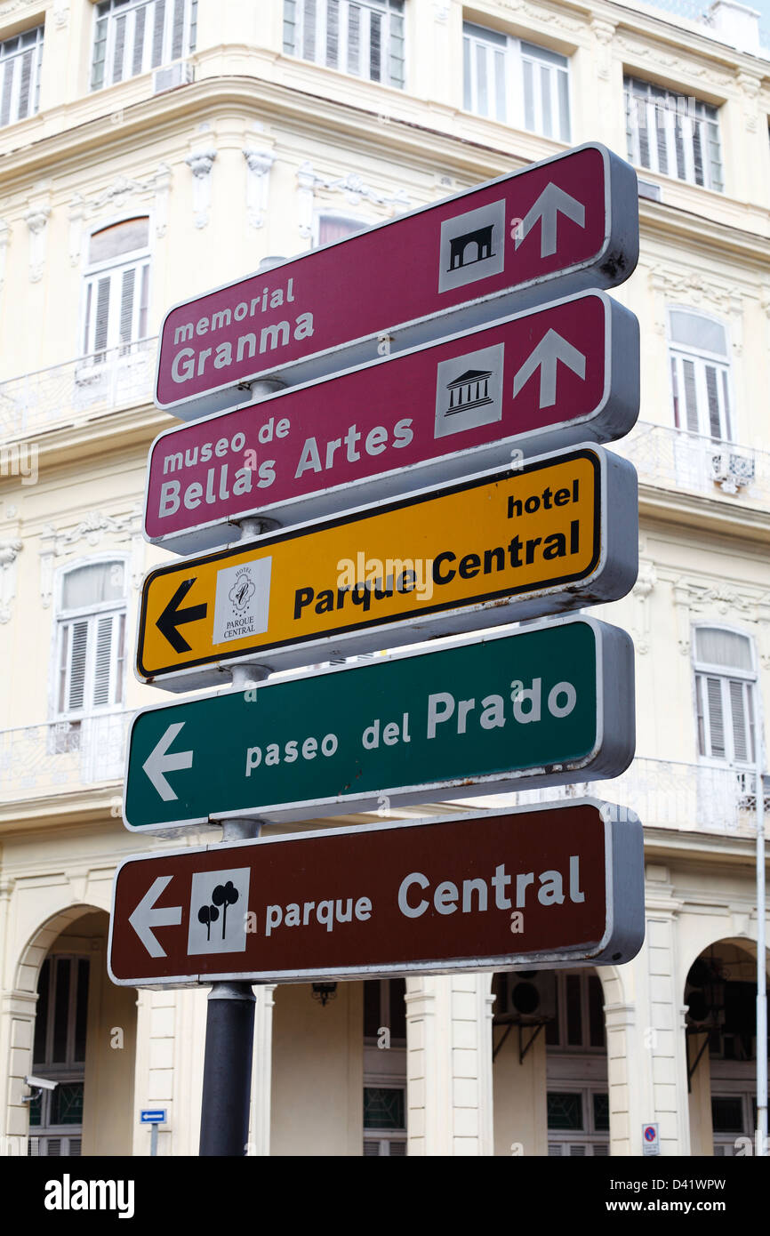road-signs-in-central-havana-cuba-D41WPW
