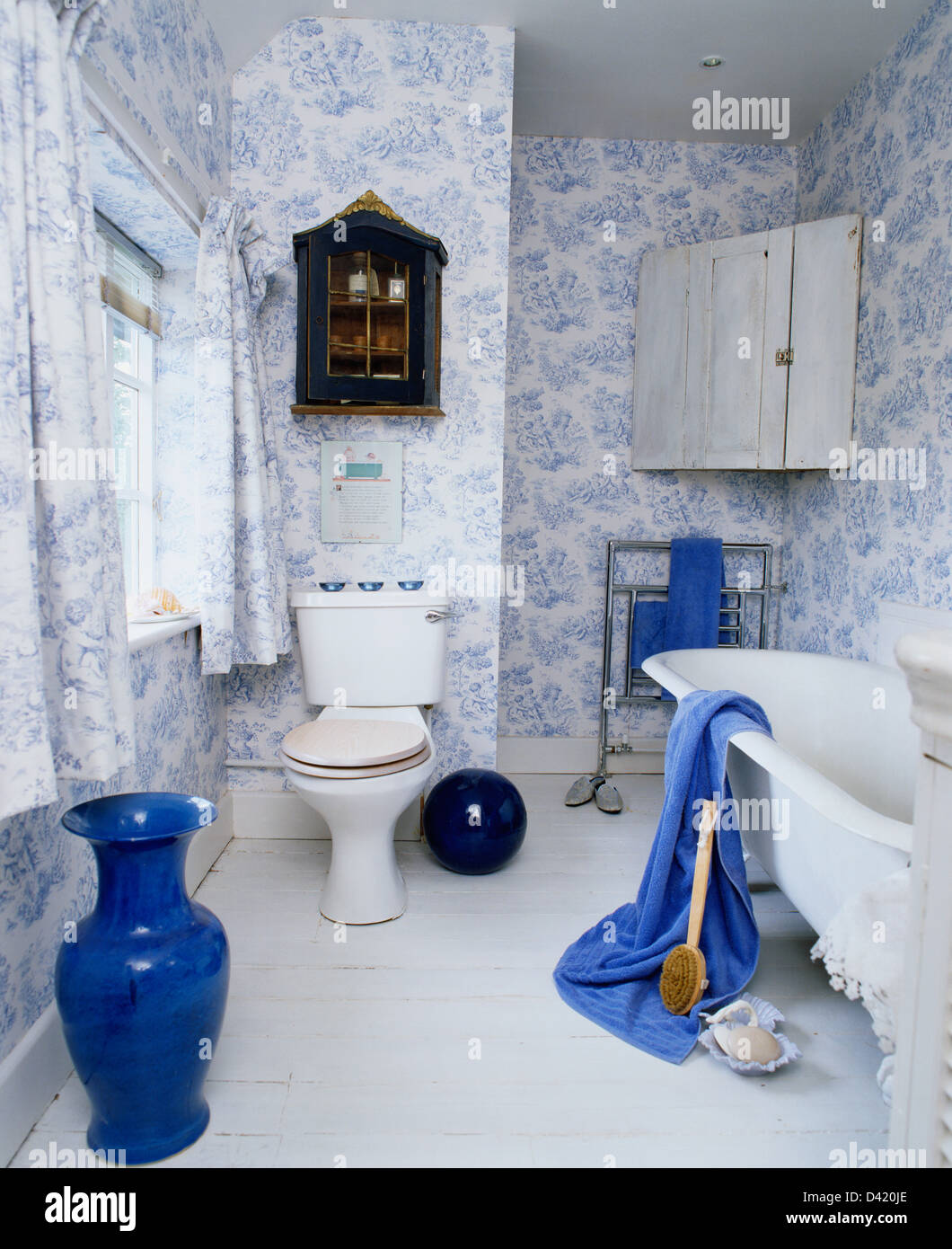 Blue And White Bathrooms Country: Tall Blue Vase In Country Bathroom With Blue+white Toile