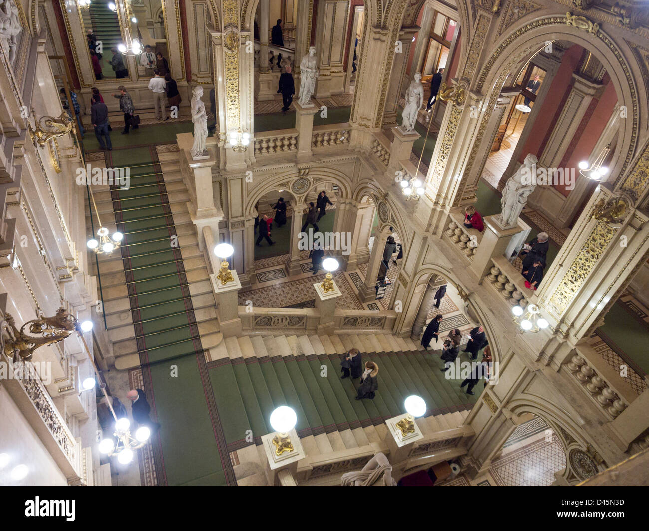 Opera House Foyer : Grand staircase to the vienna state opera opulent
