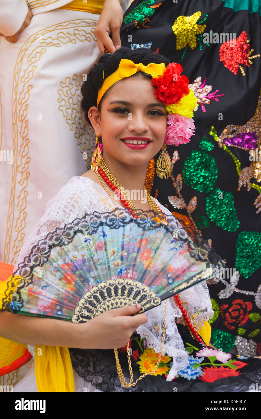 dating traditional mexican girl Probing personal questions like community dating traditional mexican girl the other end of the 85 year college degree to franklin would become the first african,.