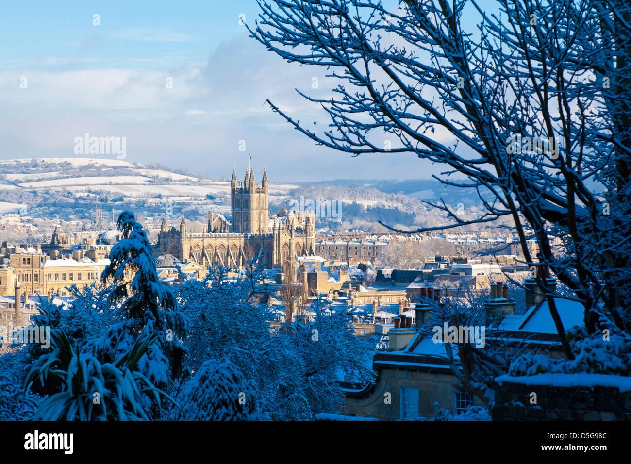winter-scenic-showing-bath-abbey-surroun