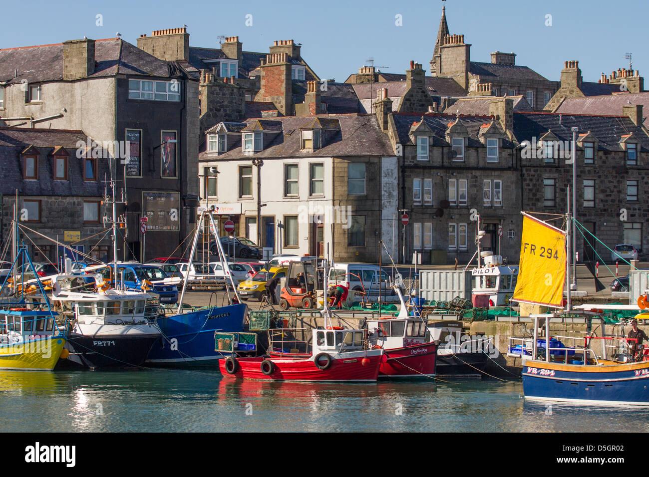 fraserburgh-harbour-aberdeenshire-scotla