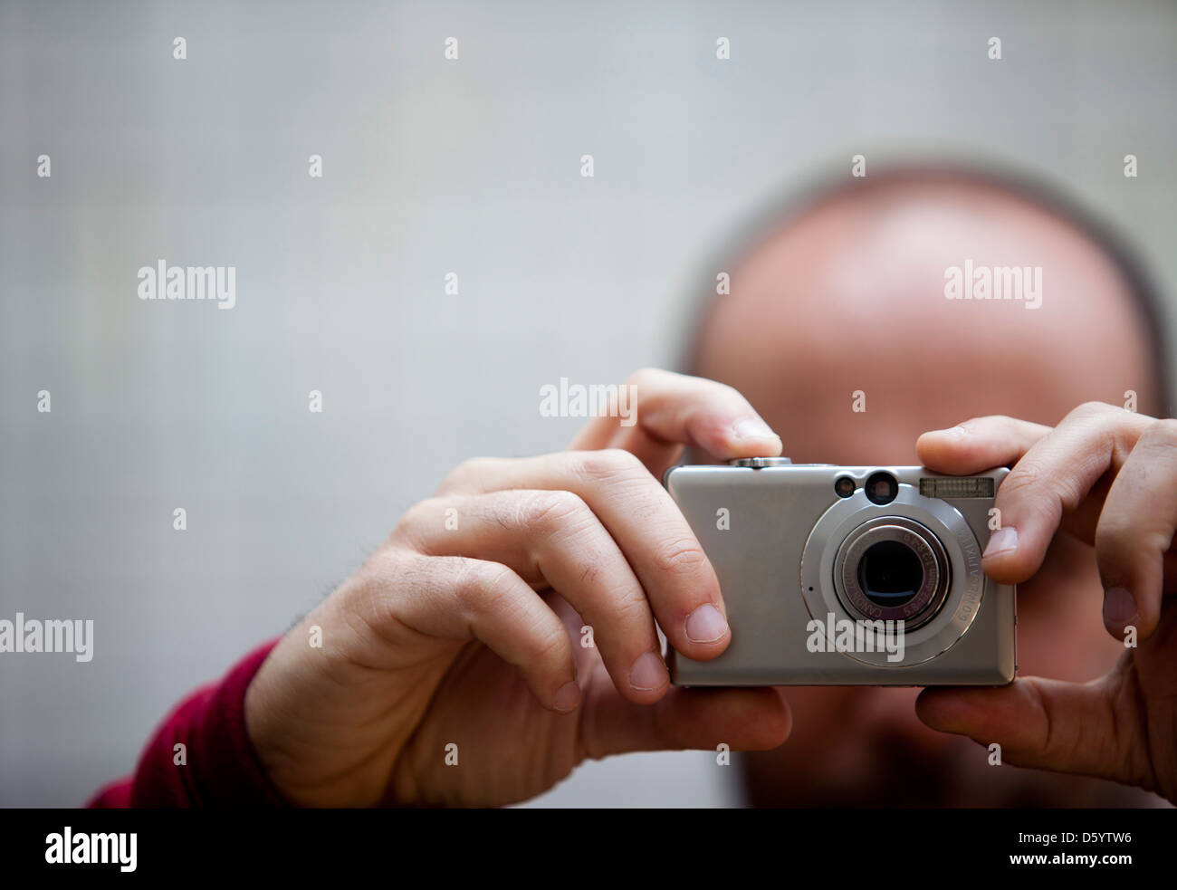 Man Taking a Photograph, Close-up View Stock Foto