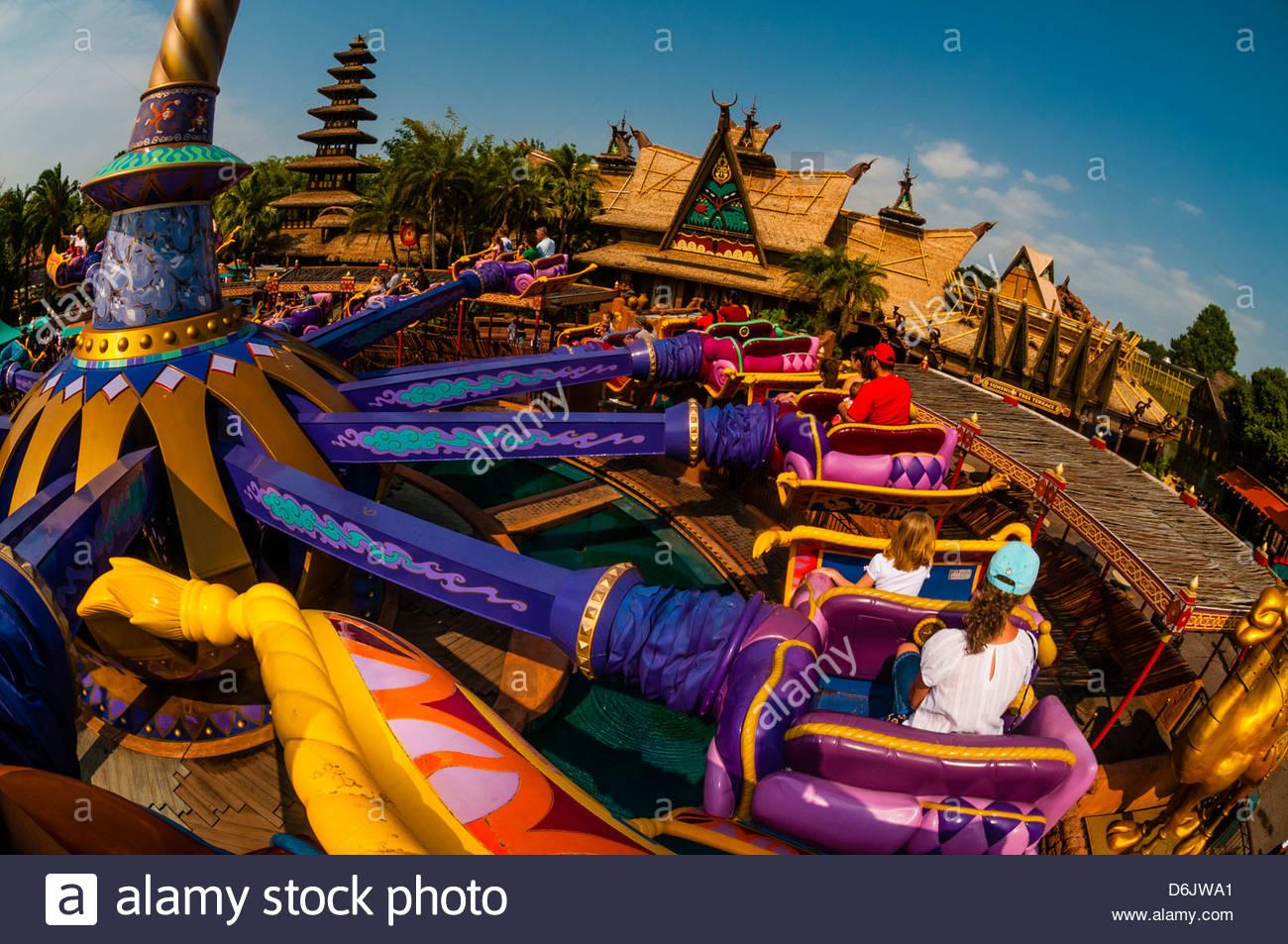 The Magic Carpets Of Aladdin Ride Adventureland Magic