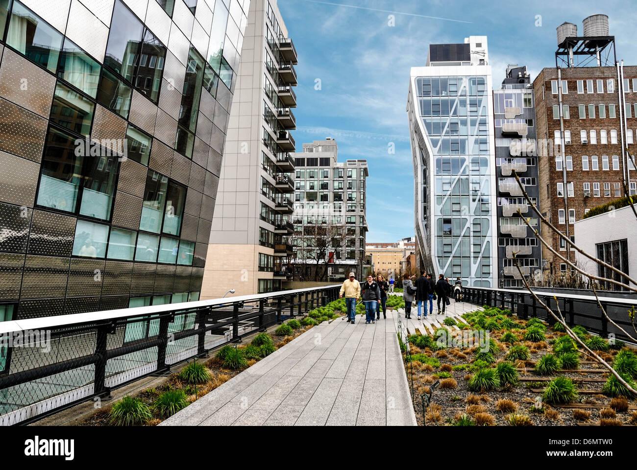 The high line is a 1 mile new york city linear park built for New york city highline